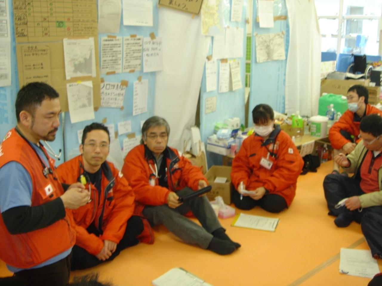 7_Dr._Tarui_as_the_team_leader
